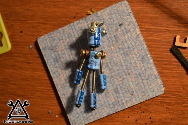 Робот из мусора своими руками. Поделки для подарка на Мозгочинах (1)