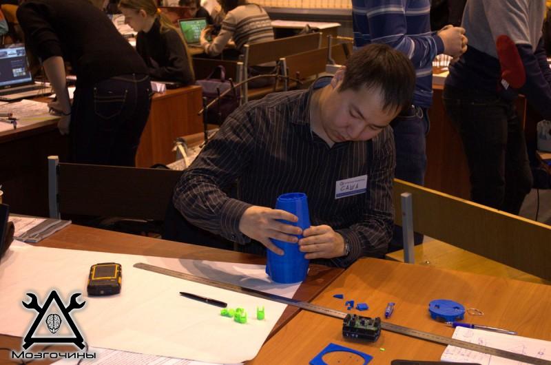 Рука робота своими руками. Управляемая механическая рука и перчатка. Школа FabLab. Самоделки (www.mozgochiny.ru) - 001 (19)