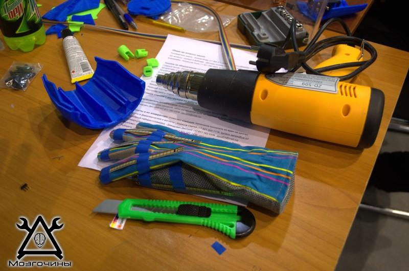 Рука робота своими руками. Управляемая механическая рука и перчатка. Школа FabLab. Самоделки (www.mozgochiny.ru) - 001 (23)