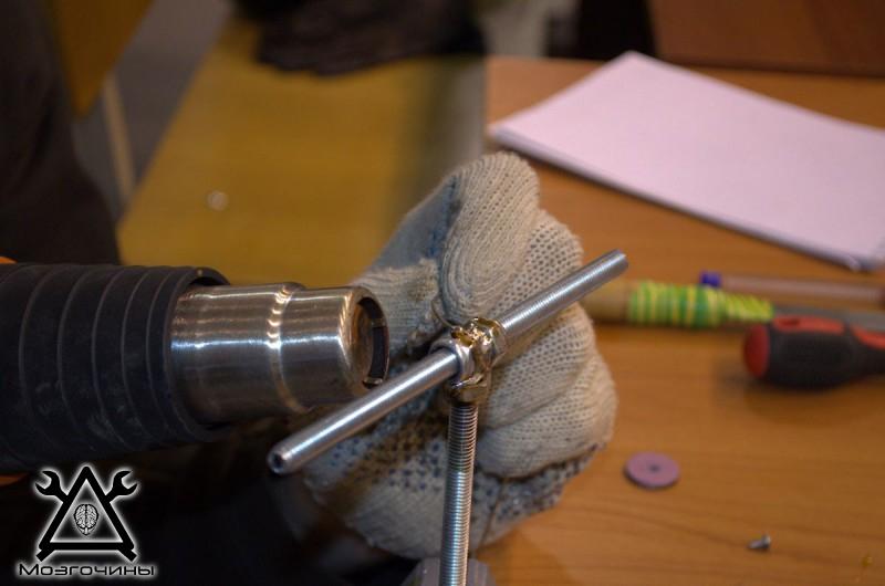 Рука робота своими руками. Управляемая механическая рука и перчатка. Школа FabLab. Самоделки (www.mozgochiny.ru) - 001 (35)