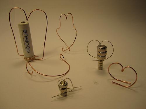 Самый простой электромотор в мире своими руками (2)