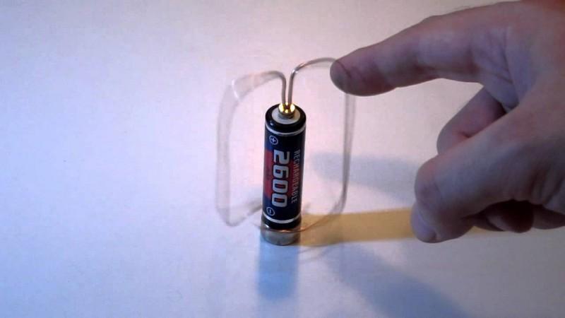 Самый простой электромотор в мире своими руками (4)