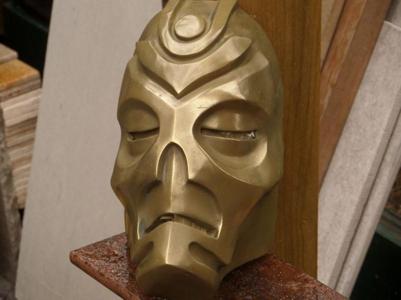 maska-iz-skyrim-holodnoe-lite-i-patinirovanie-svoimi-rukami8