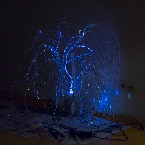 plakuchaya-iva-svetilnik-iz-optovolokna-svoimi-rukami15