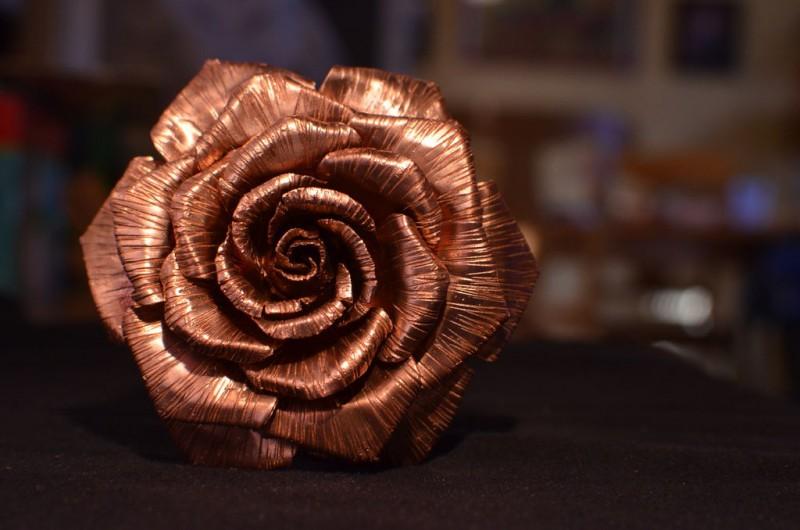 roza-iz-medi-svoimi-rukami1