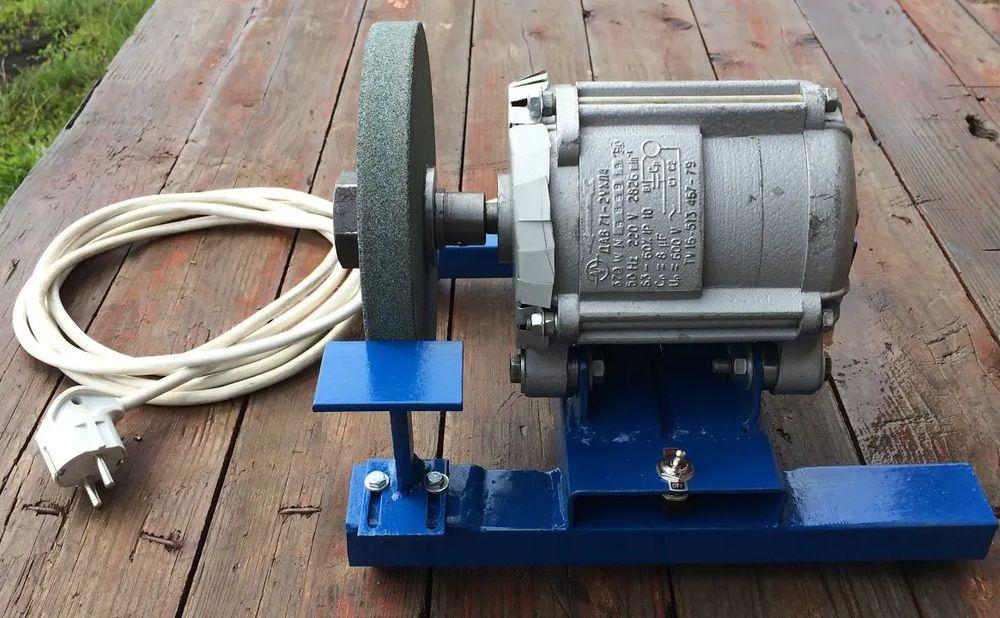 Точильный станок из двигателя стиральной машины