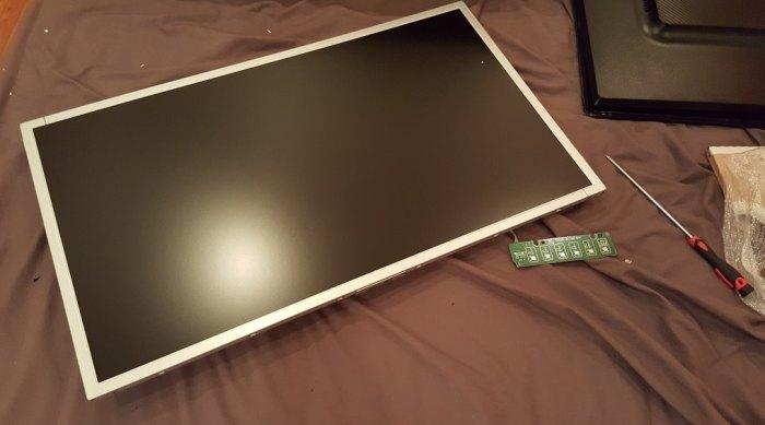 зеркало на экране монитора