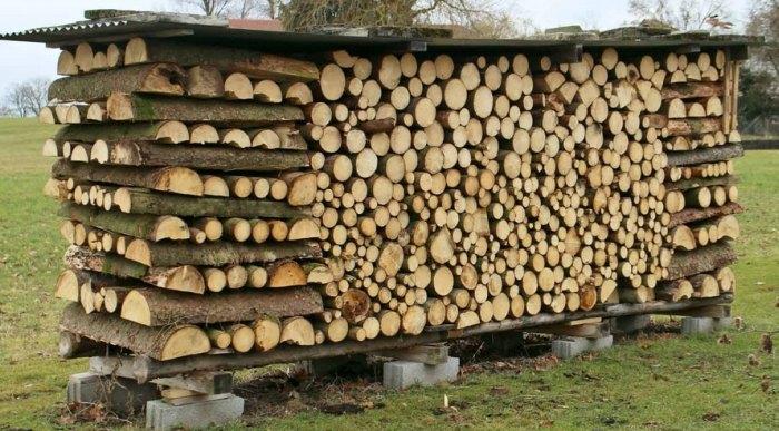 поленица из дров