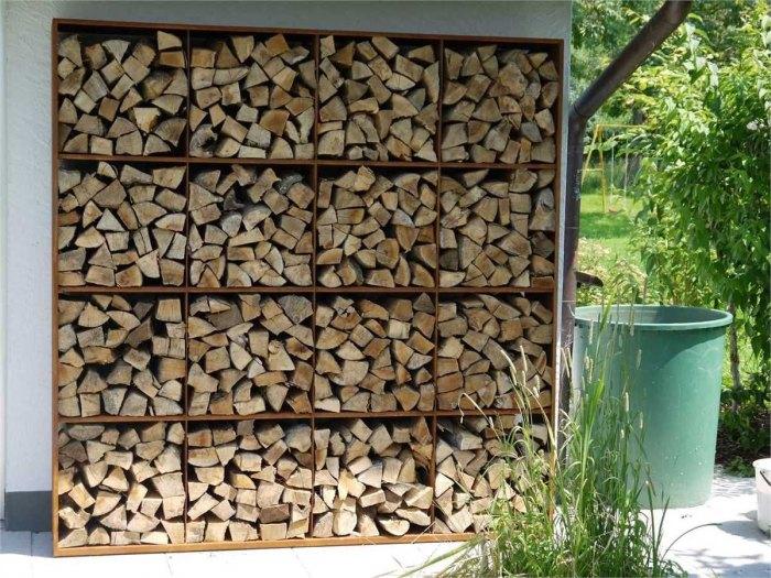 поленница для дров на улице