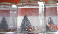 Handmade-Holiday-Snow-Globes-5