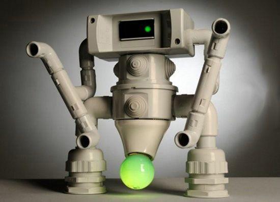 Самодельный светильник в виде робота