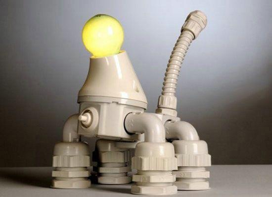 Самодельная лампа в виде робота собаки