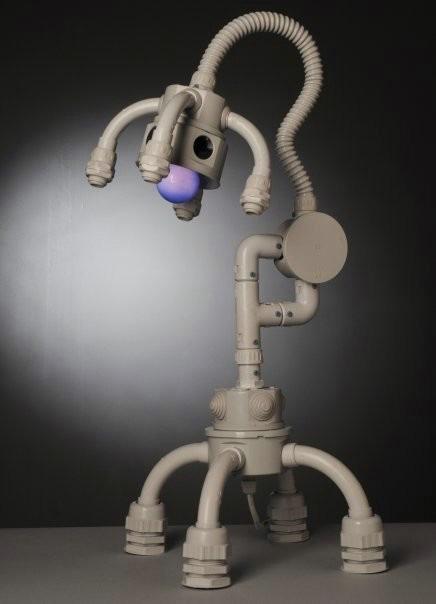 Самодельная игрушка светильник в виде робота