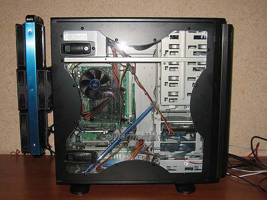 Установка радиатора СВО за компьютерным корпусом