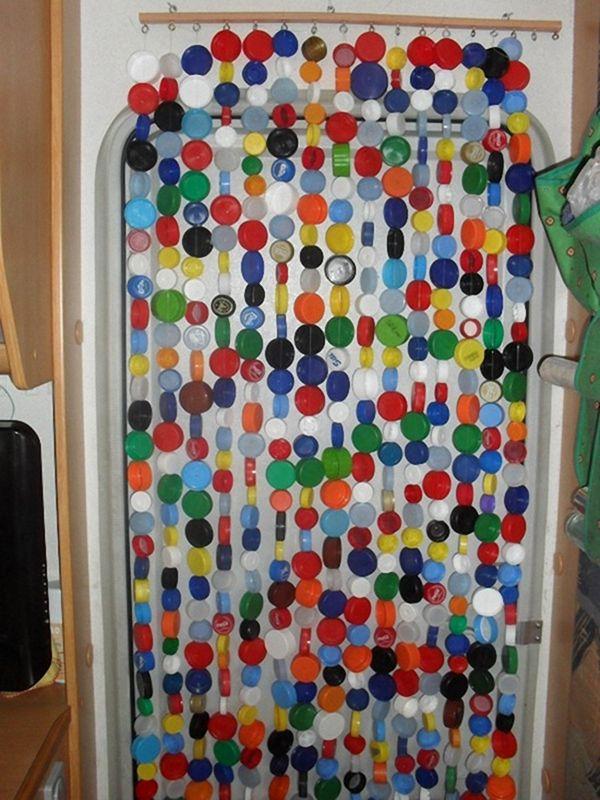 Как сделать на дверь из пластиковых бутылок своими руками