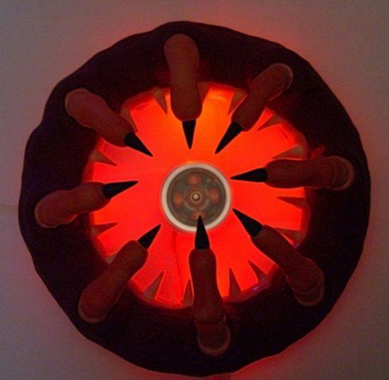 Вид сверху на гриль с подсветкой