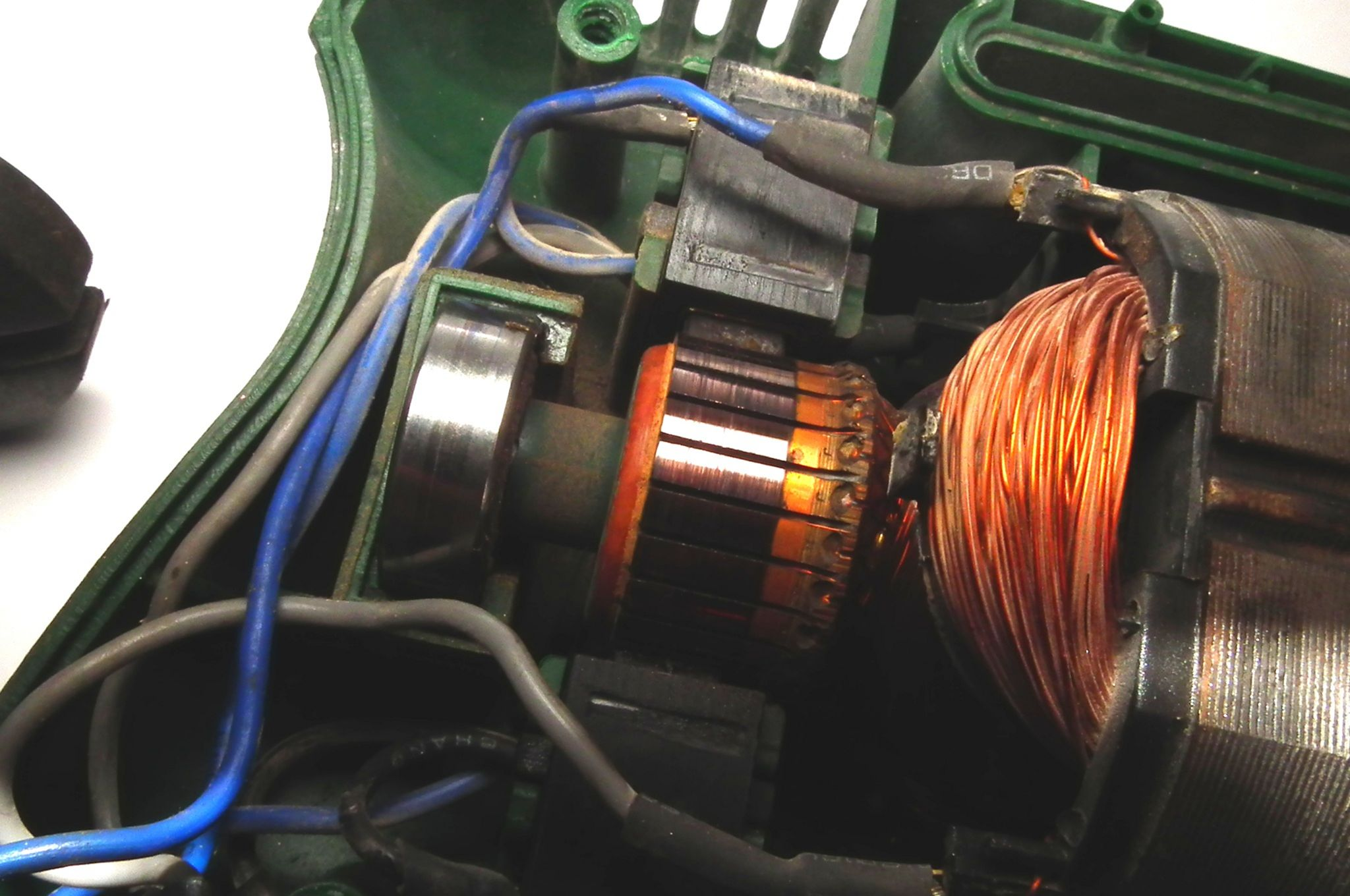 Почему искрит коллектор электродвигателя