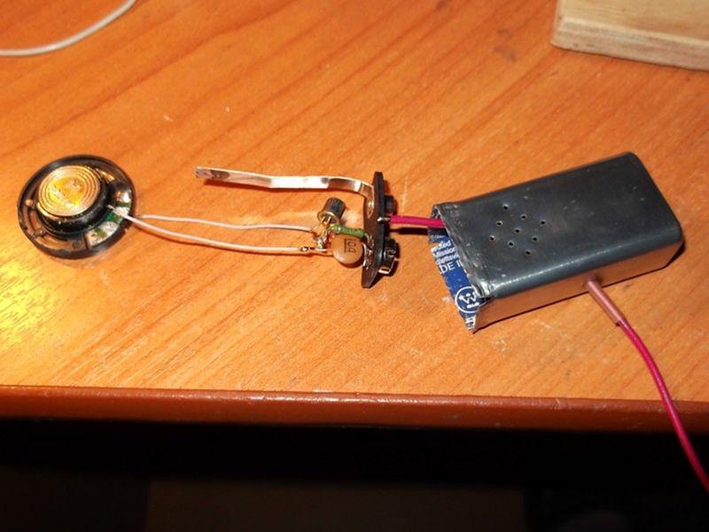 Самодельный звуковой пробник для прозвонки цепи.