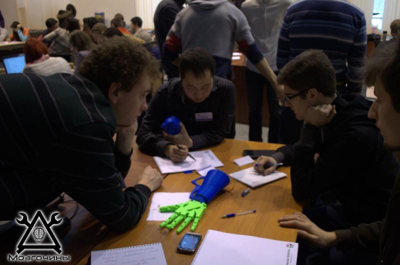 Рука робота своими руками. Управляемая механическая рука и перчатка. Школа FabLab. Самоделки (www.mozgochiny.ru) - 001 (16)