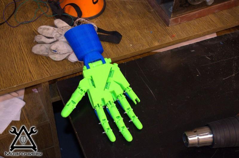 Рука робота своими руками. Управляемая механическая рука и перчатка. Школа FabLab. Самоделки (www.mozgochiny.ru) - 001 (34)