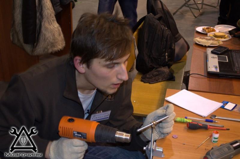 Рука робота своими руками. Управляемая механическая рука и перчатка. Школа FabLab. Самоделки (www.mozgochiny.ru) - 001 (36)