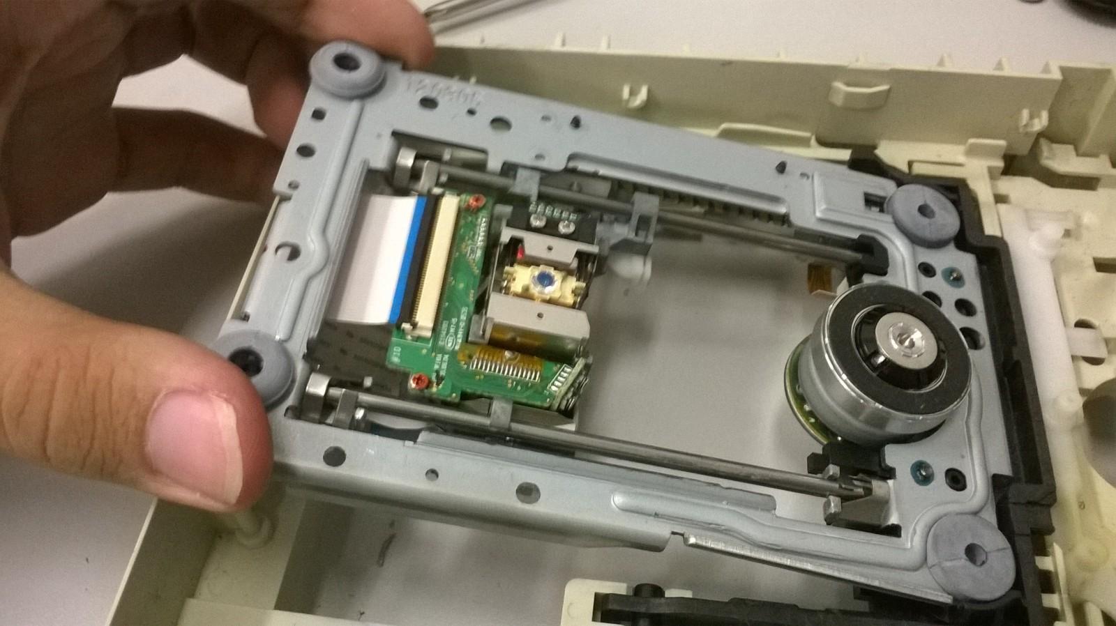 Разбор CD/DVD привода на запчасти МозгоЧины
