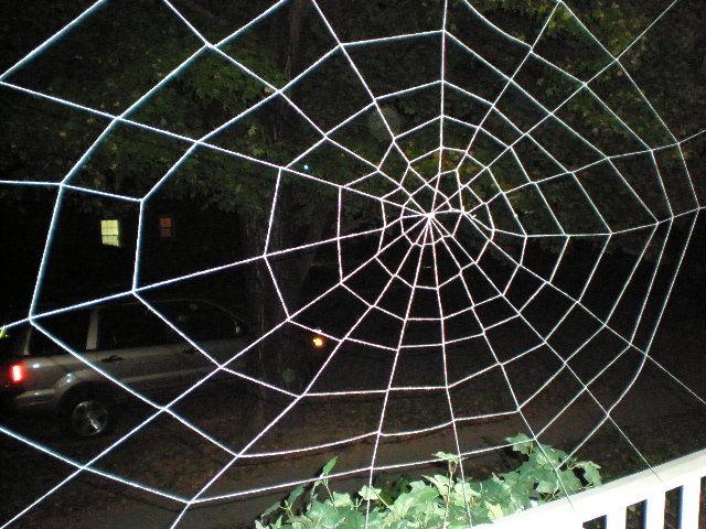 Паук в паутине своими руками