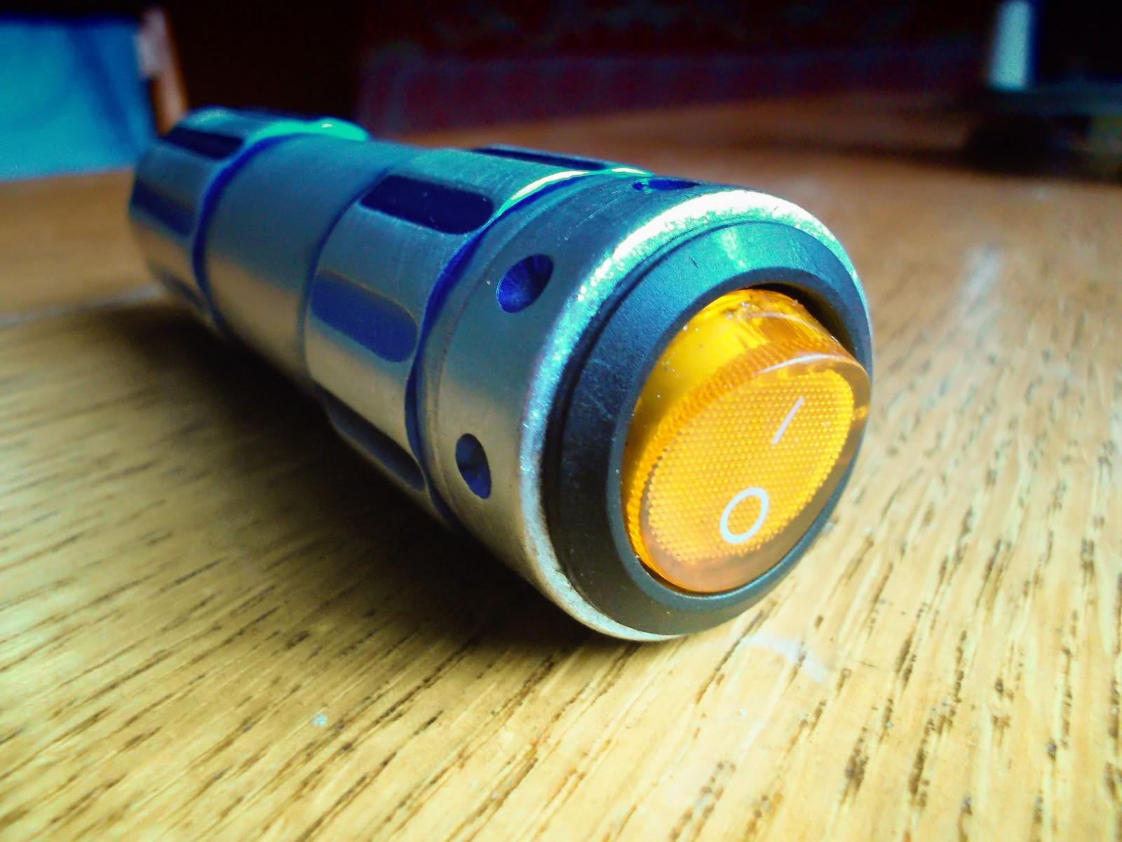 Сделать фонарик своими руками на аккумуляторе