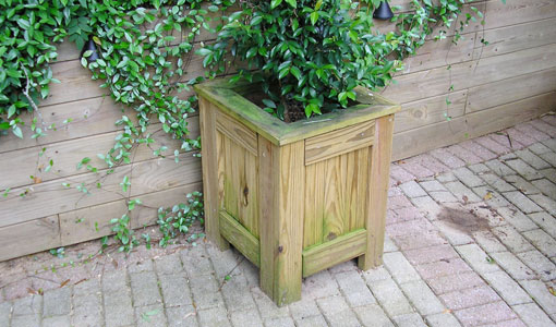 how-build-patio-planter-1