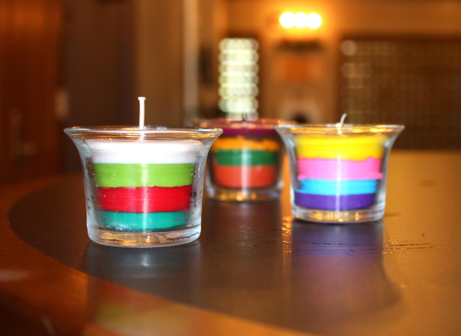 Свеча разноцветная своими руками
