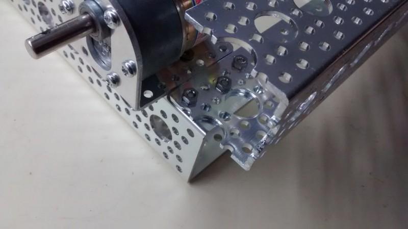 kak-sdelat-6wd-robot-na-alyuminievoy-rame16