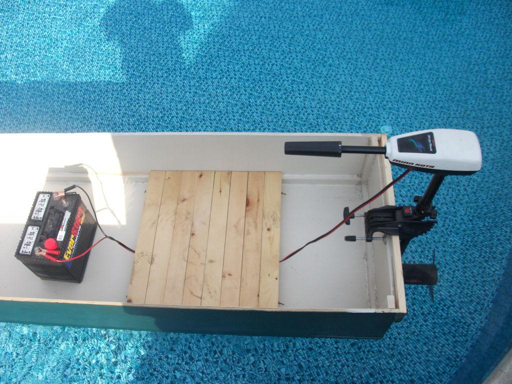 Как сделать подводную лодку с моторчиком