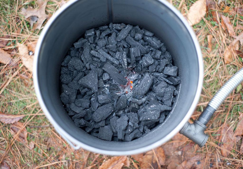 Древесный уголь в домашних