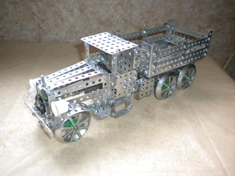 Модели из металлических конструкторов - примеры самоделок (15)
