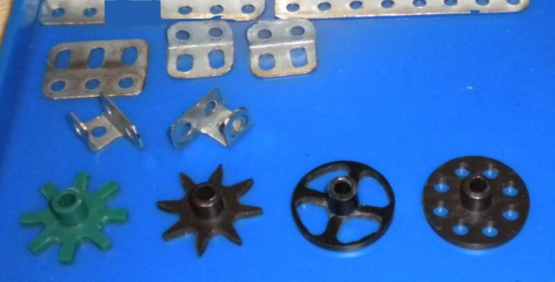 Модели из металлических конструкторов - примеры самоделок (17)