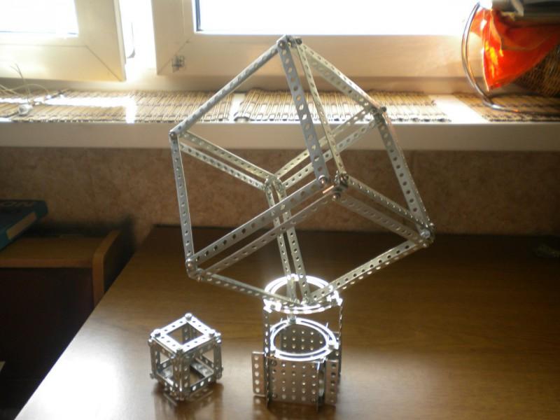Модели из металлических конструкторов - примеры самоделок (7)