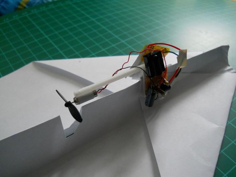 kak-sdelat-upr…nyiy-samoletik5