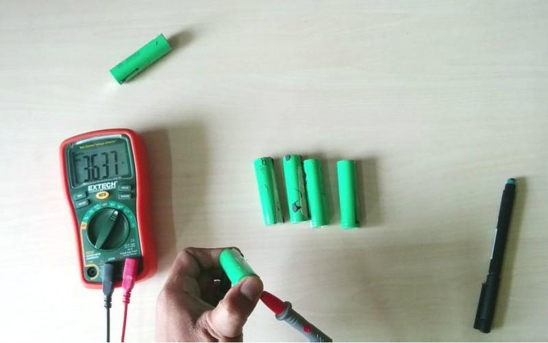 kak-sdelat-vneshniy-akkumulyator-iz-starogo-noutbuka29