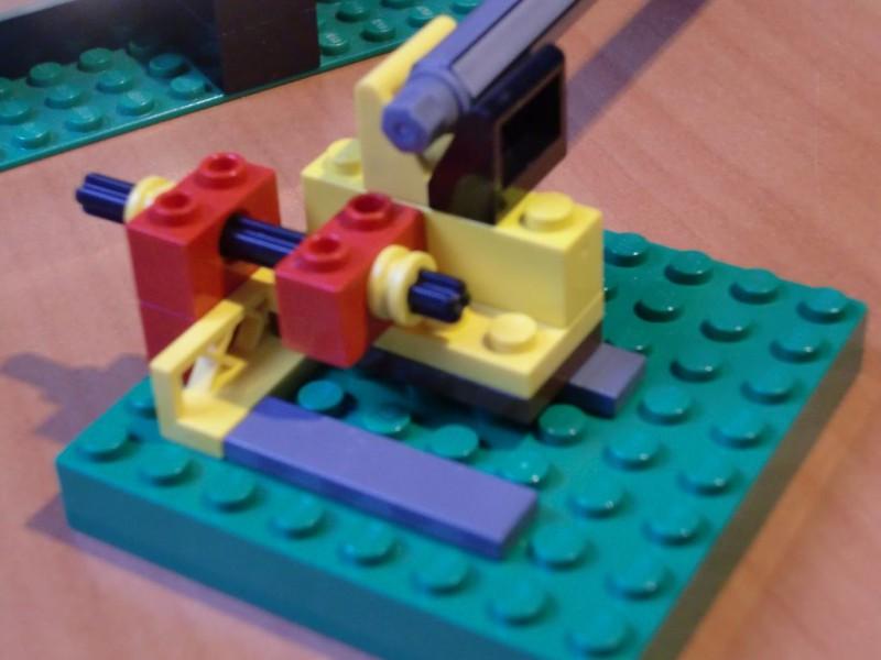 sobiraem-3d-printer-iz-lego-blokov-chast-111