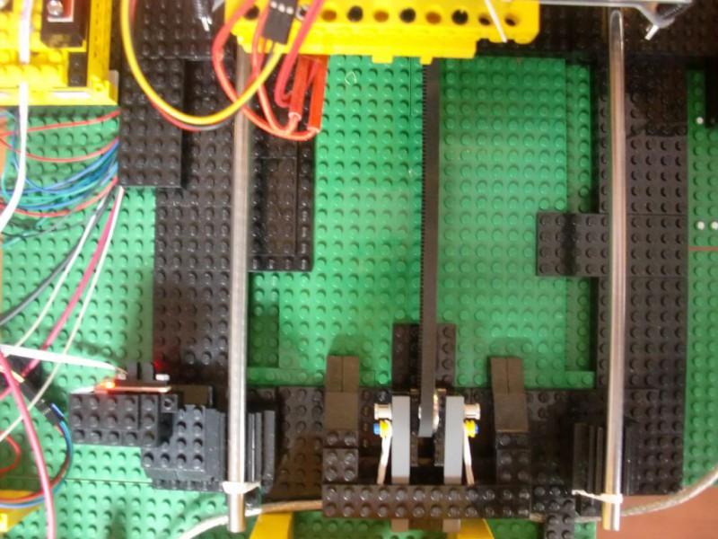 sobiraem-3d-printer-iz-lego-blokov-chast-115