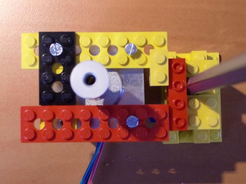 sobiraem-3d-printer-iz-lego-blokov-chast-121