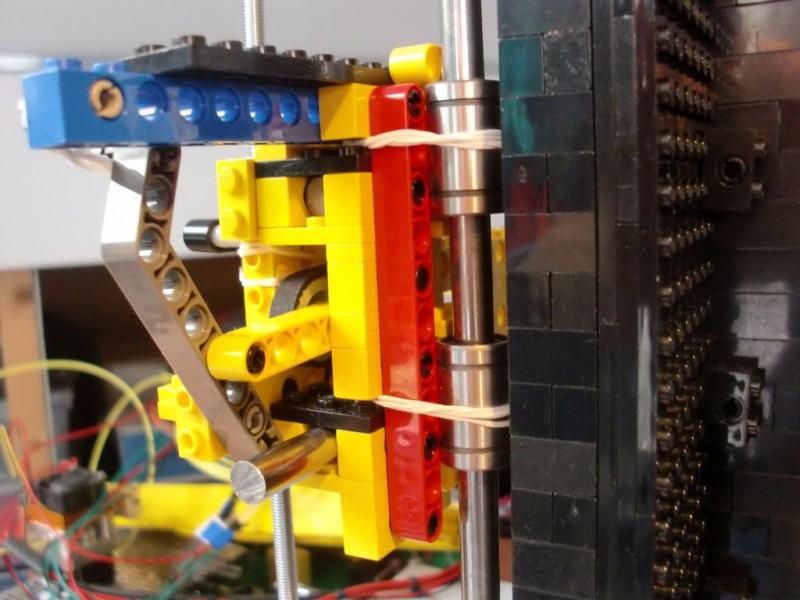 sobiraem-3d-printer-iz-lego-blokov-chast-130