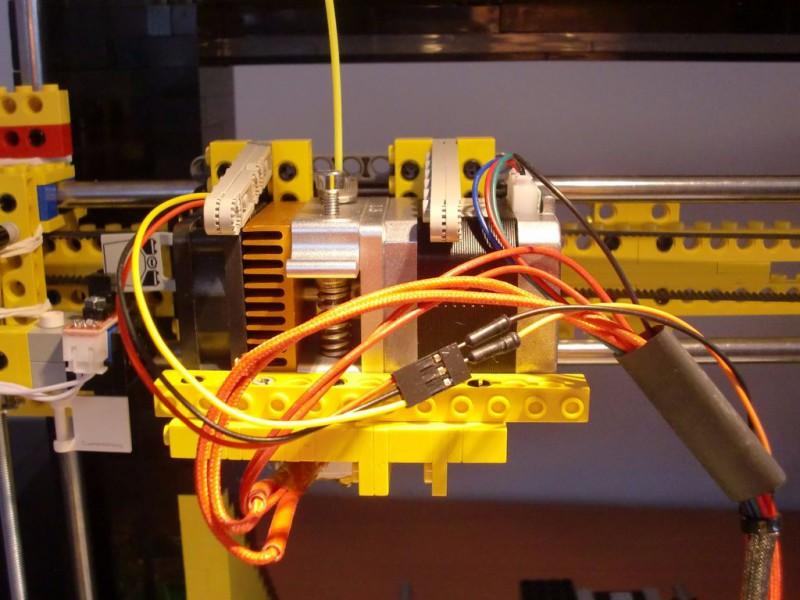 sobiraem-3d-printer-iz-lego-blokov-chast-143