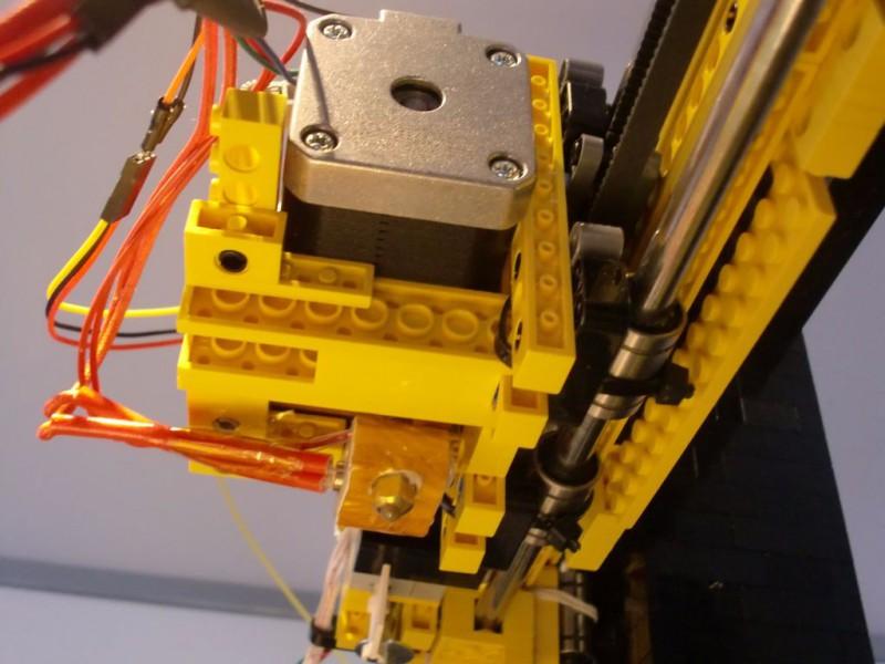 sobiraem-3d-printer-iz-lego-blokov-chast-145