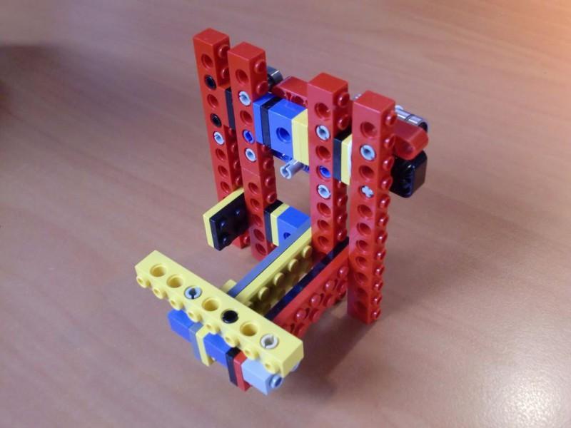 sobiraem-3d-printer-iz-lego-blokov-chast-150