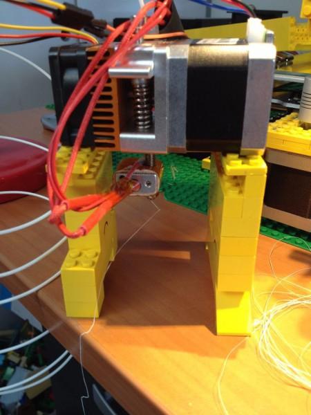 sobiraem-3d-printer-iz-lego-blokov-chast-25