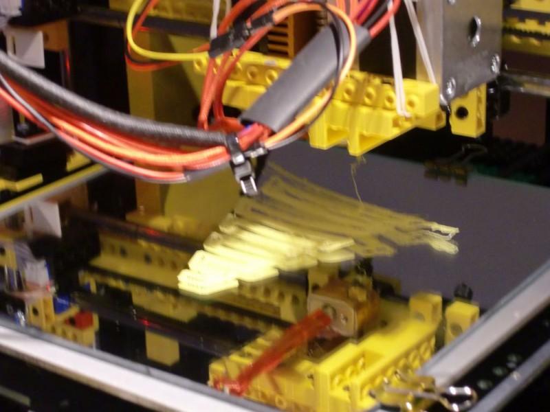 sobiraem-3d-printer-iz-lego-blokov-chast-28