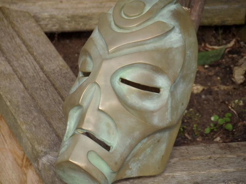 maska-iz-skyrim-holodnoe-lite-i-patinirovanie-svoimi-rukami7