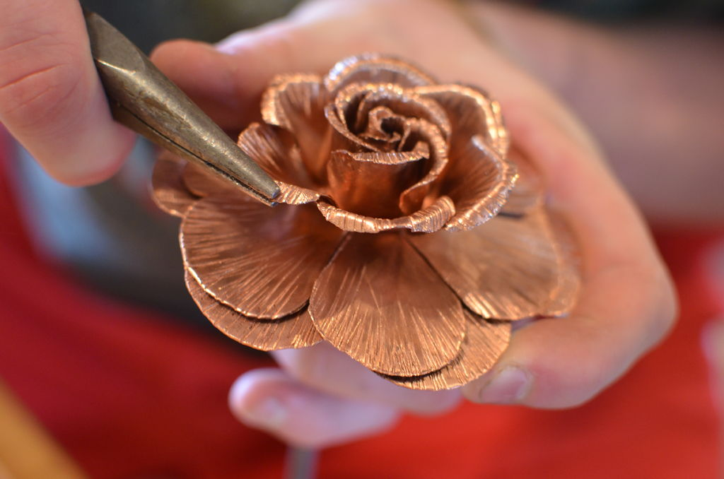Роза из меди своими руками