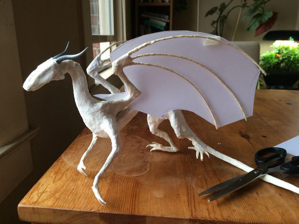 Как сделать дракона из бумаги голову поворачивает